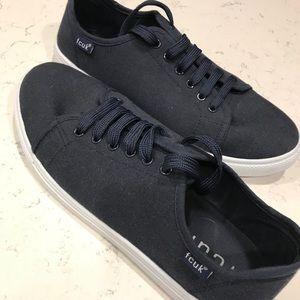 ✳️ 2/$30 Navy FCUK plimsoll sneakers US Men's 8
